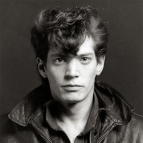 Robert_Mapplethorpe,_Self-portrait,_1980.jpg