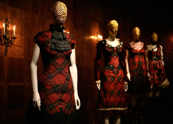 Alexander-McQueens-Savage-Beauty-exhibition