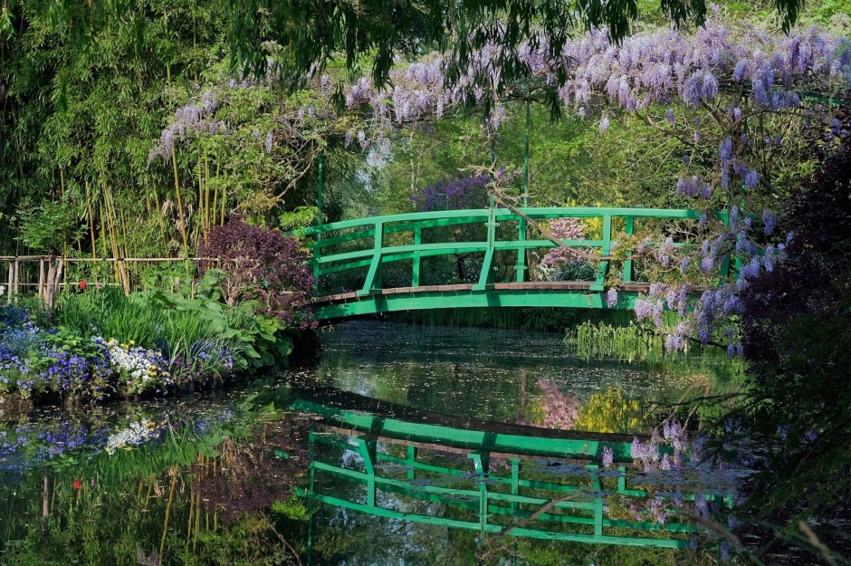 Giverny-Japanese-Bridge-2.jpg