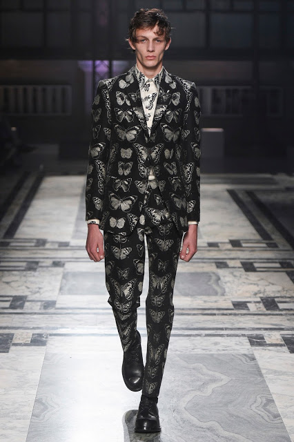 Alexander-McQueen-Men-Fall-2016-2