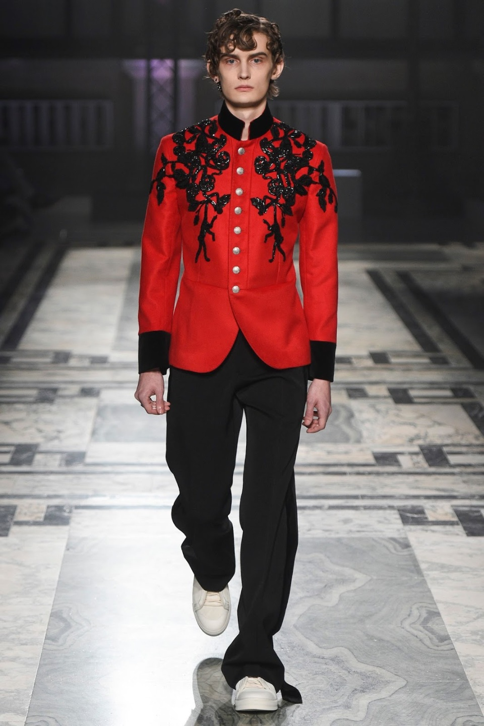 Alexander-McQueen-Men-Fall-2016-6