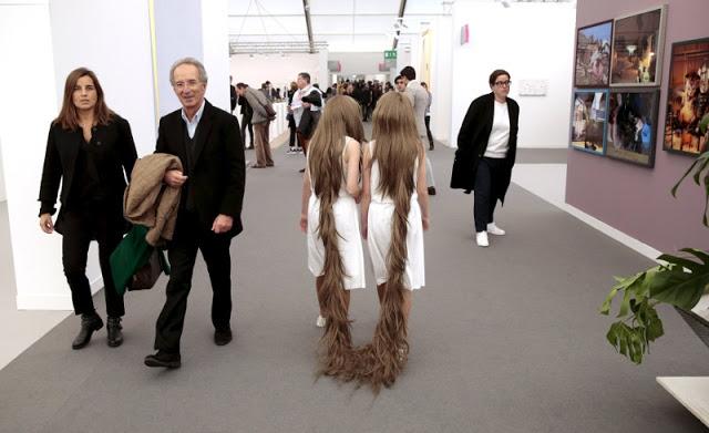 frieze_art_fair_20151015_05_siamese_hair_twins_by_tunga-800x489