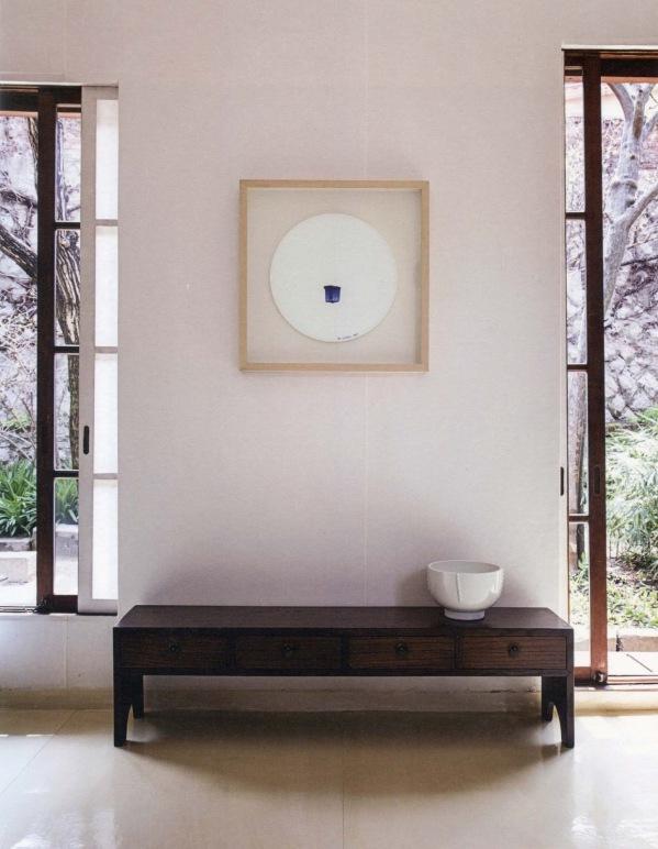 Installation,_Collaboration_of_Young_Sook_Park_and_Lee_Ufan,_Kikuji_Domo,_Tokyo,_Japan_2008