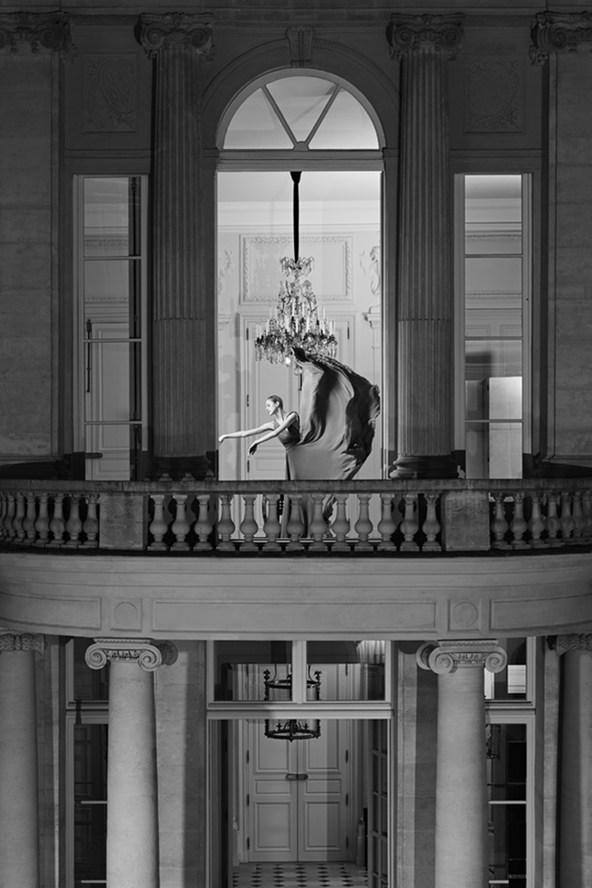 yves-saint-laurent-couture-vogue-1-28jul15-pr_b_592x888