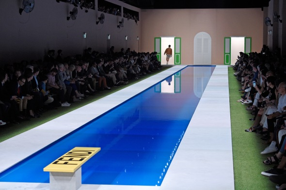 fendi-mens-spring-2017-pool.0.jpg