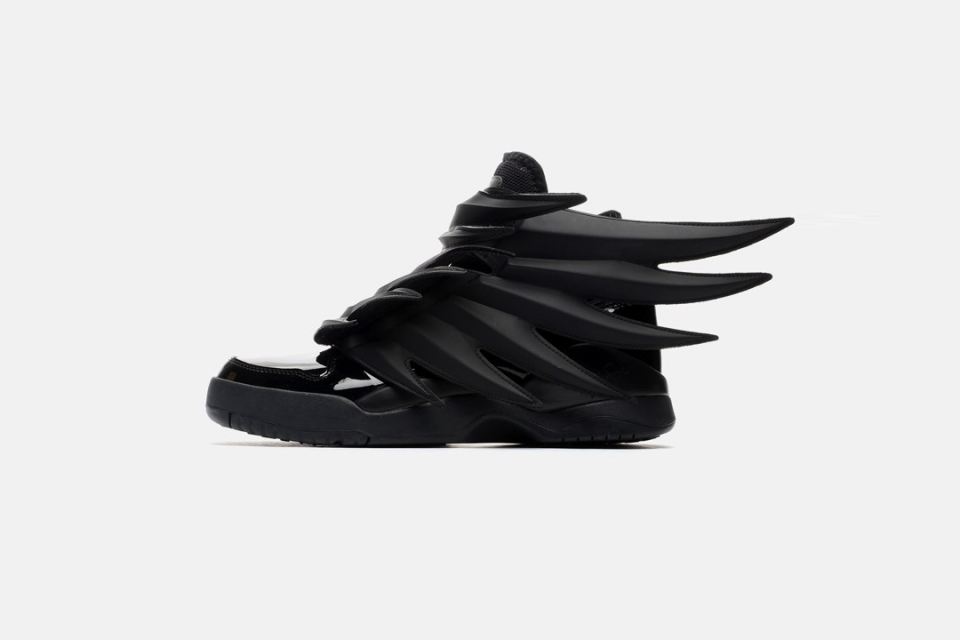 adidas-by-jeremy-scott-js-wings-30-black-black.jpg