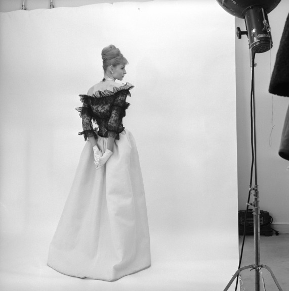 evening-dress-cristobal-balenciaga-paris-1962-photograph-by-cecil-beaton-1971-cecil-beaton-studio-archive-at-sothebys
