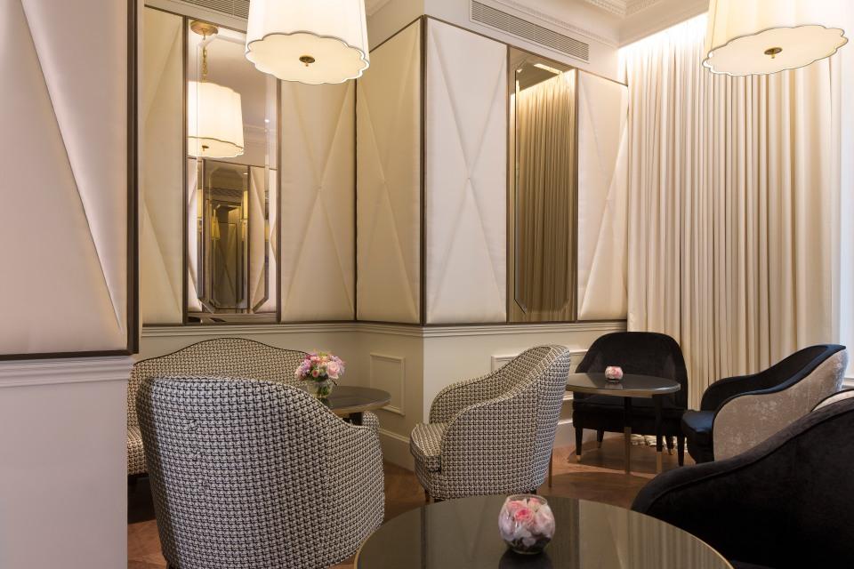 PETIT SALON_HOTEL LE NARCISSE BLANC_COPYRIGHT CHRISTOPHE BIELSA