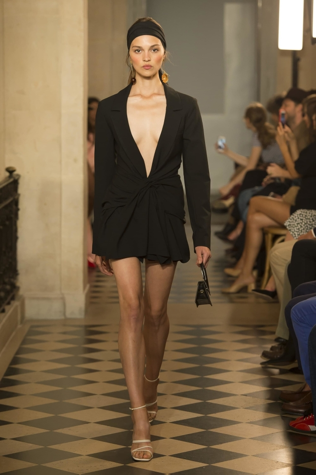 34_jacquemus_ss18_pfw_jpg_1485_north_1382x_black