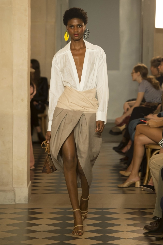 36_jacquemus_ss18_pfw_jpg_5059_north_1382x_black