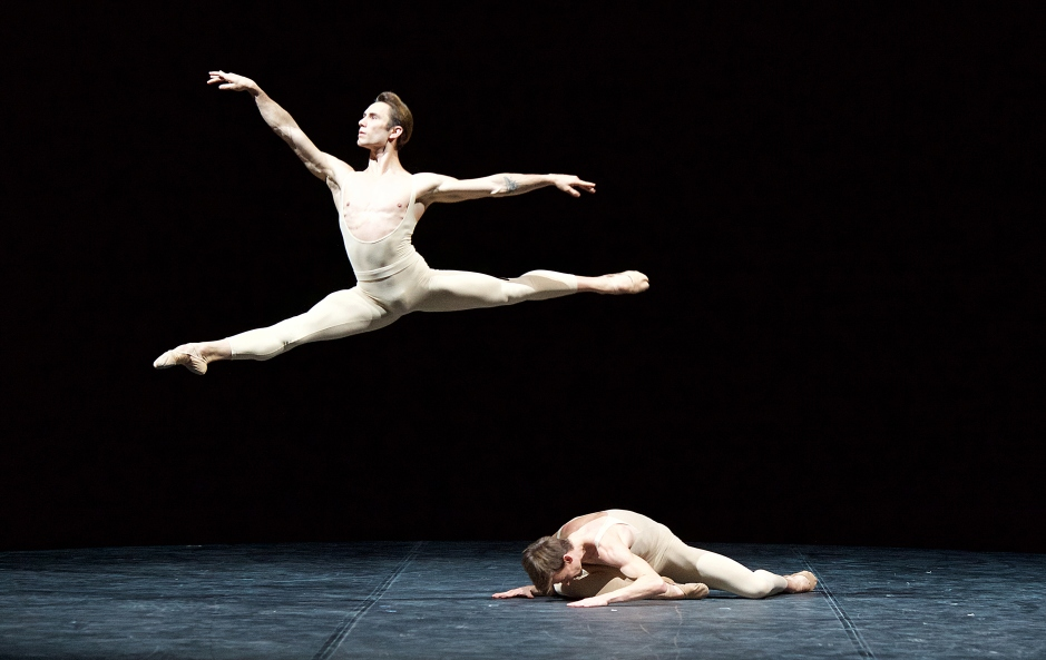 2798 Alessandro Staiano and Marian Walter in Men in Motion © Elliott Franks