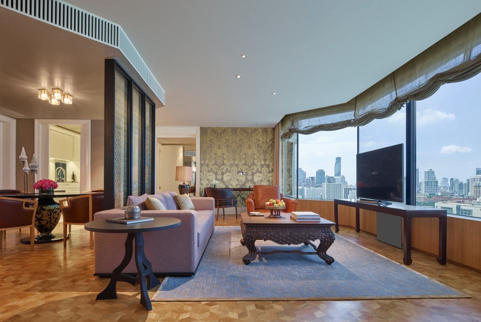 Grand Hyatt Erawan Bangkok_Diplomat Suite Living Room