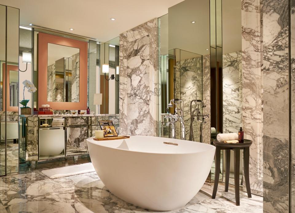 Grand Hyatt Erawan Bangkok_Erawan Suite Bathroom