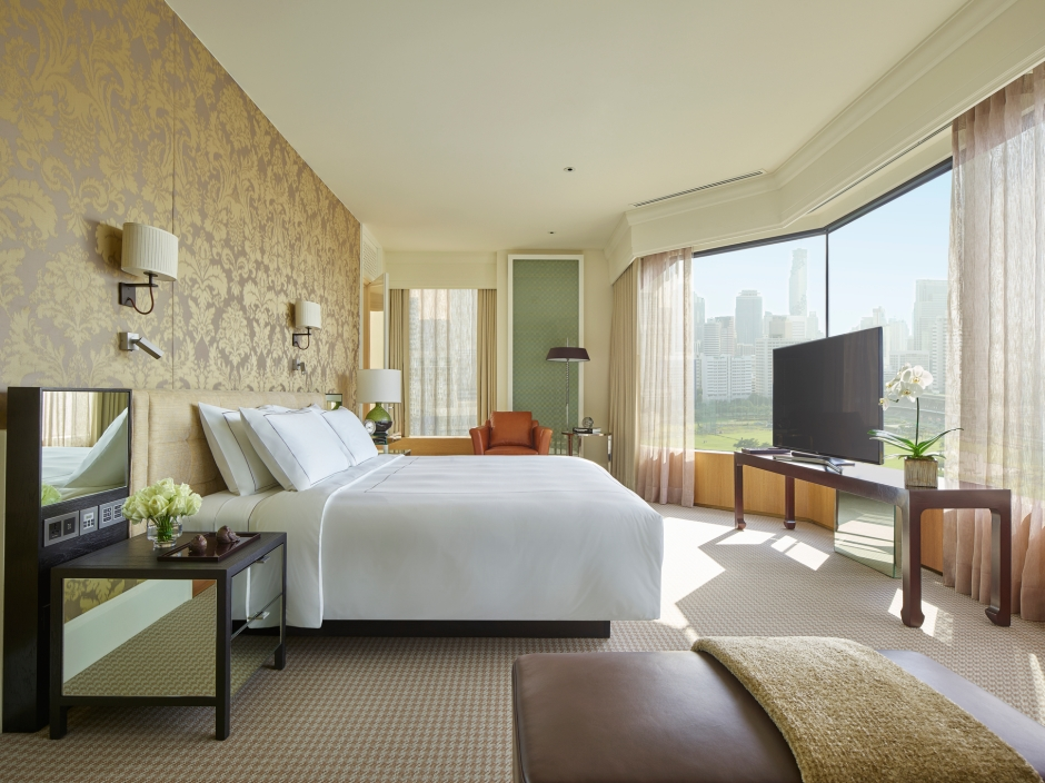 Grand Hyatt Erawan Bangkok_Erawan Suite Bedroom