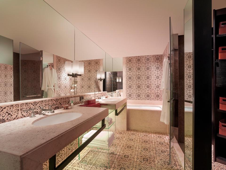 Grand Hyatt Erawan Bangkok_Grand Executive Suite_Bathroom