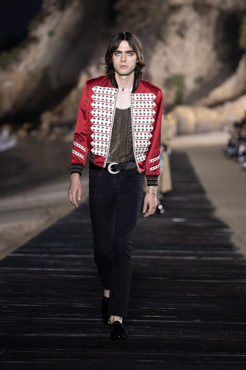 SAINT LAURENT_MEN_SS20_RUNWAY_15_LR