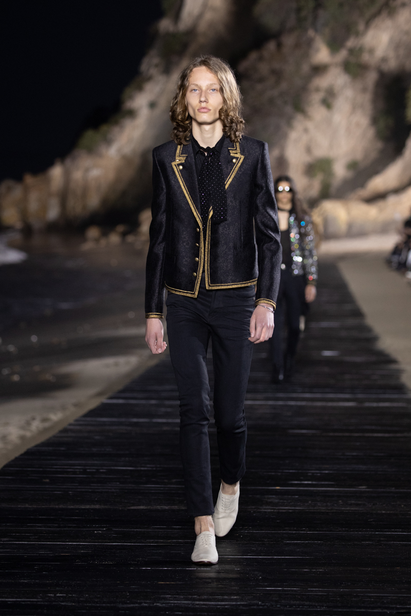 SAINT LAURENT_MEN_SS20_RUNWAY_42_LR