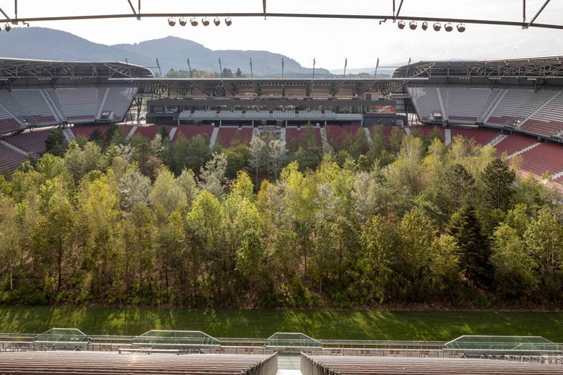 klaus-littmann-for-forest-klagenfurt-football-stadium-austria-trees-designboom-3-818x545