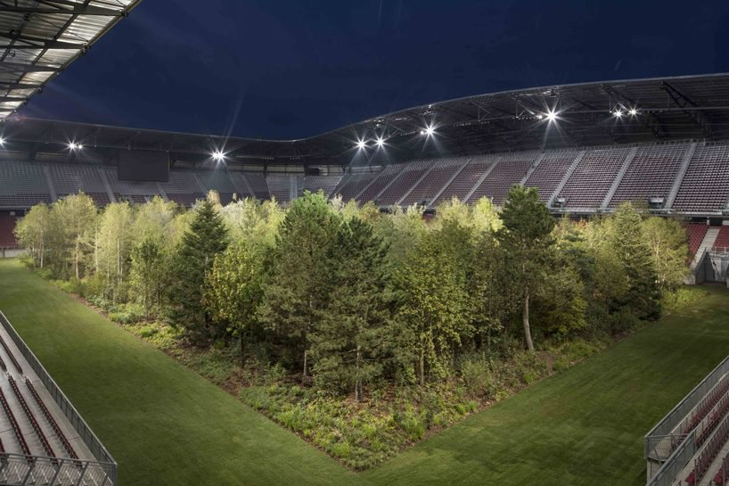 klaus-littmann-for-forest-klagenfurt-football-stadium-austria-trees-designboom-5-818x545