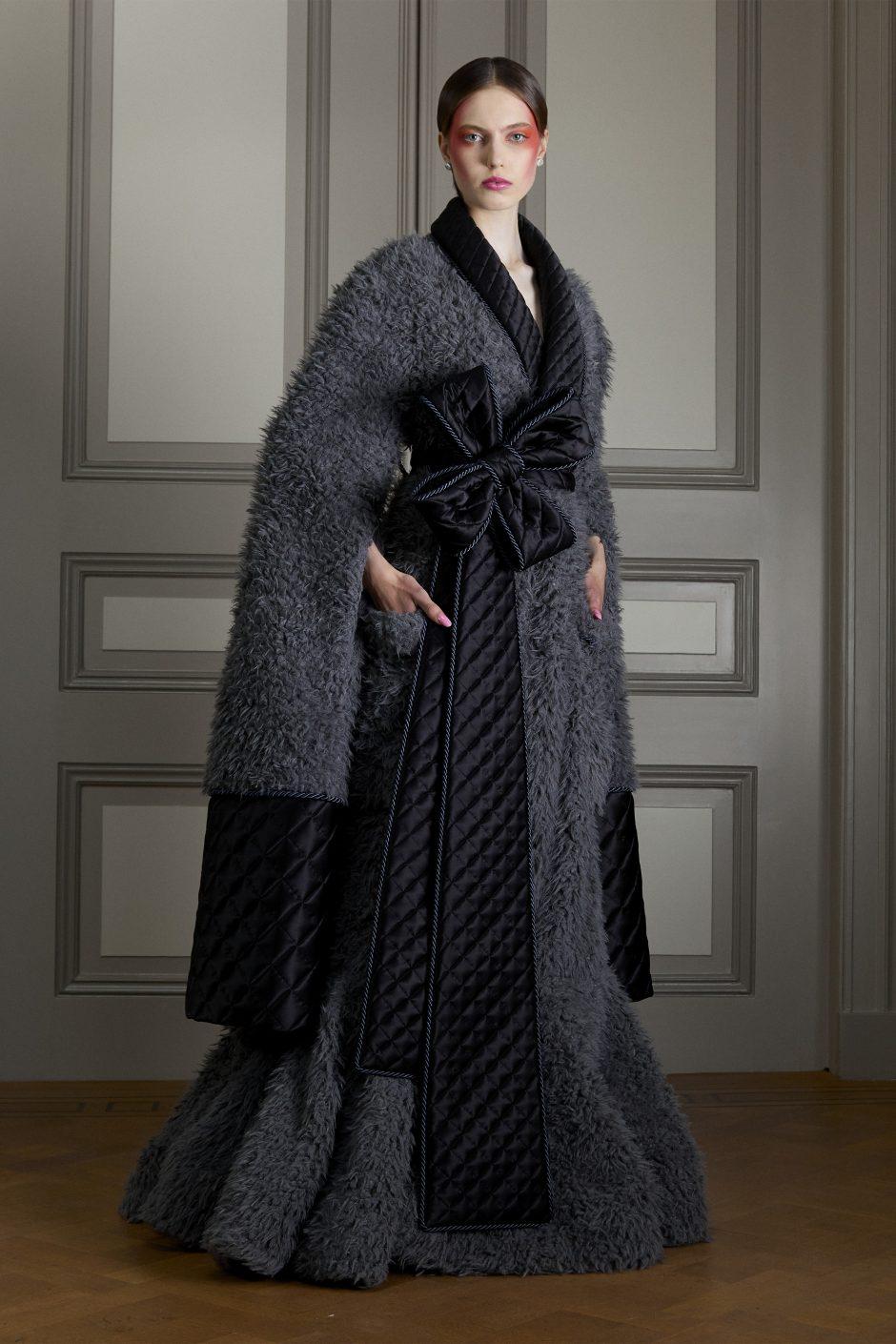 00002-Viktor-Rolf-Couture-FALL-20-Credit-Casper-Kofi