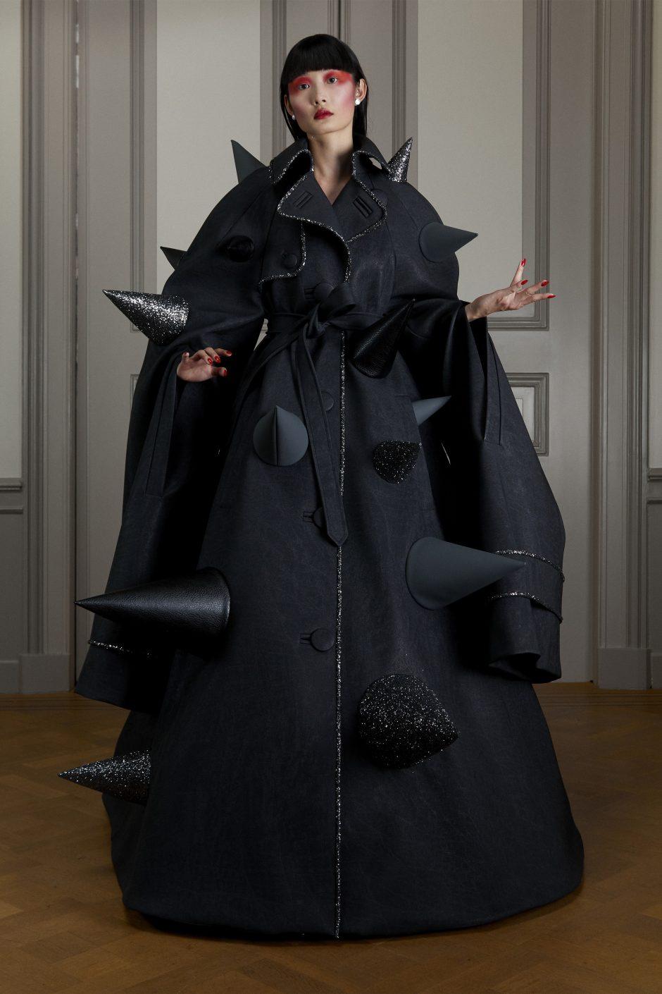 00003-Viktor-Rolf-Couture-FALL-20-Credit-Casper-Kofi